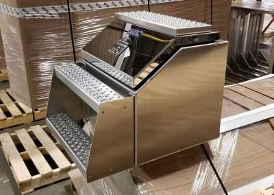 big-mouth-step-box-stainless-door