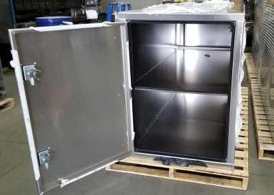 cross-box-full-width-shelf-04