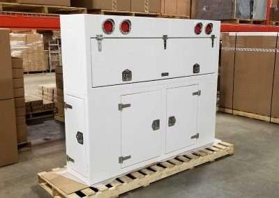 custom-enclosed-headache-rack-white-02