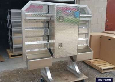 Semi Truck Headache Racks With Center Cabinet And Split Trays