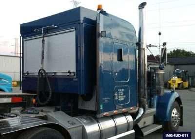Blue Roll-Up Door Enclosed Headache Rack for Semi Trucks