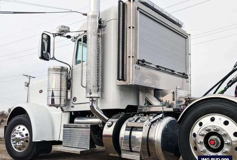 Breaking Down the Roll-Up Door Enclosed Headache Rack for Semi Trucks