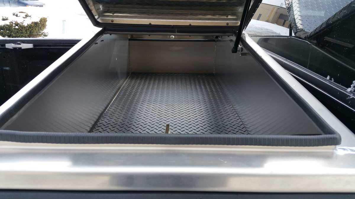 gullwing-truck-toolbox-06