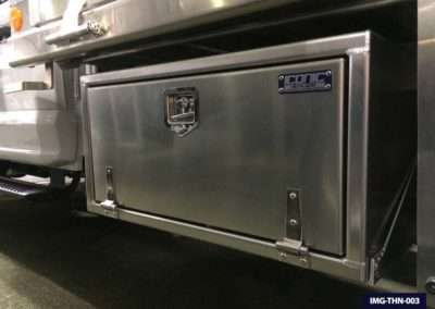 t-handle-underbody-toolbox-03
