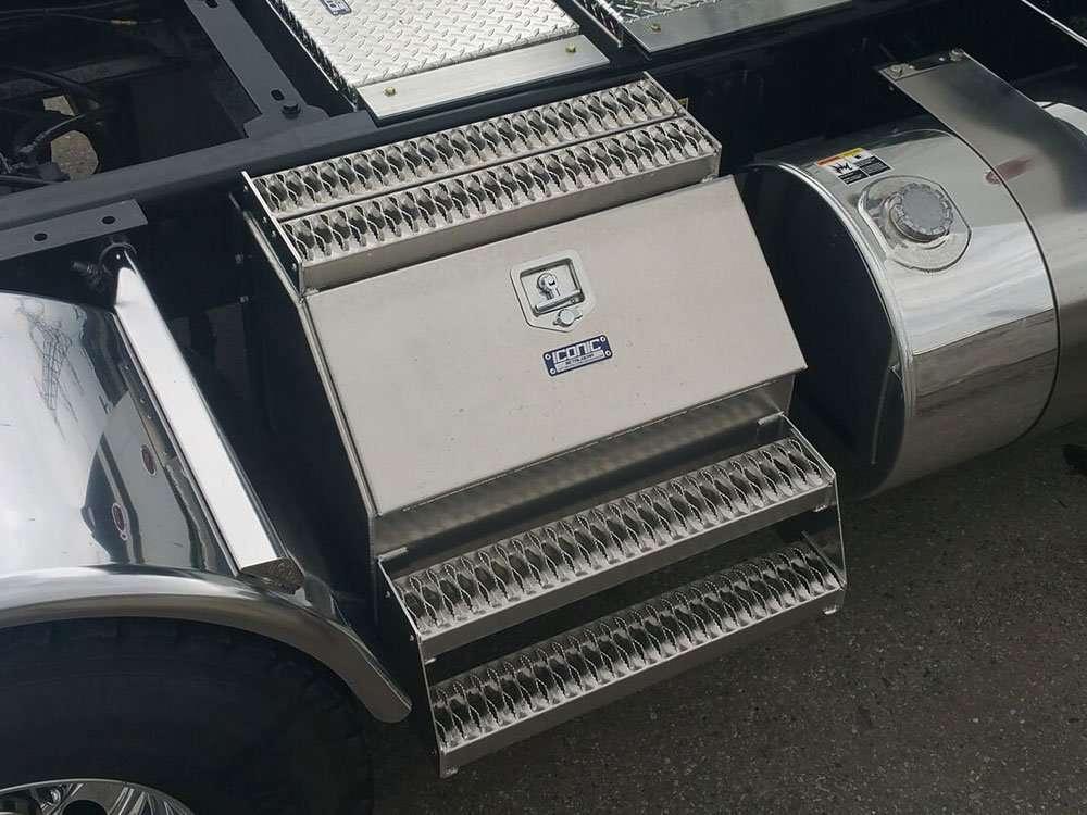 semi-truck-step-box-05
