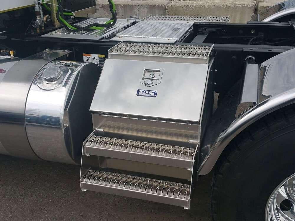 semi-truck-step-box-06