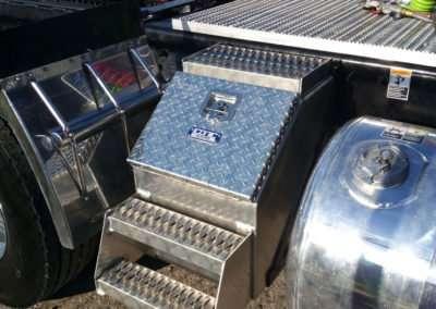 semi-truck-step-box-09