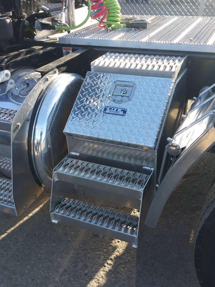 semi-truck-step-box-11
