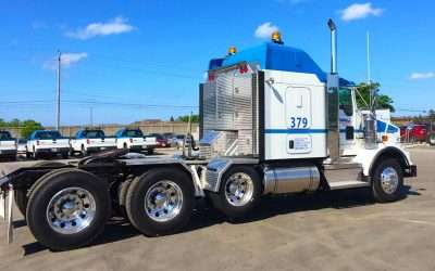 "PRODUCT TOUR VIDEO: ""Big Checker"" Semi-Truck Enclosed Headache Rack"
