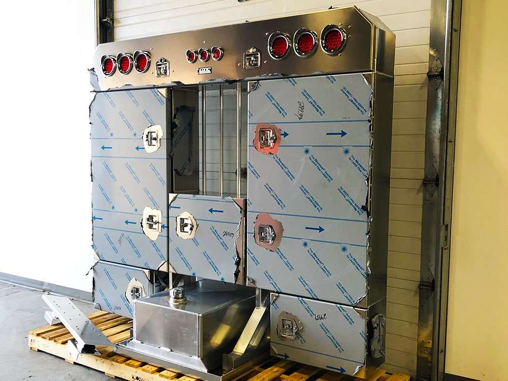 Enclosed Rack with Hydraulic Tank